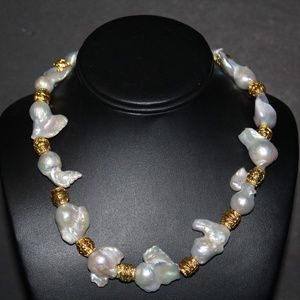 GENUINE BAROQUE FRESHWATER PEARL VTG NECKLACE NS7
